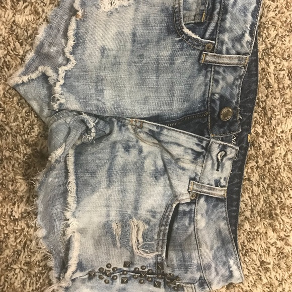 American Eagle Outfitters Pants - AE shorts with studs
